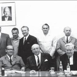 Gemeinderat Lohmar 1969 vor der kommunalen Neugliederung mit Bürgermeister Wilhelm Schultes (sitzend Mitte)