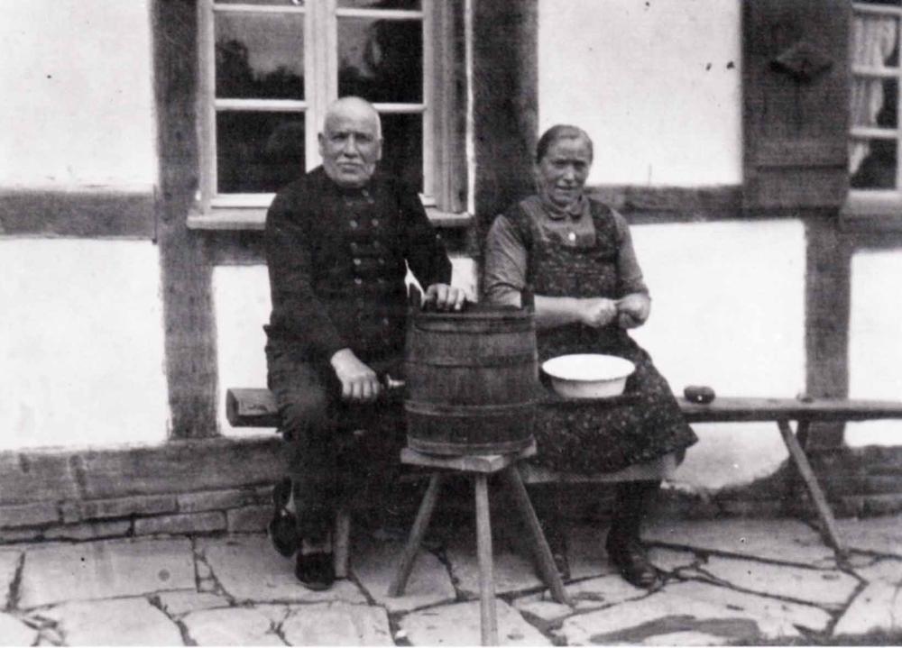 Eheleute Stöcker, Peter und Berta geb. Radermacher (Eltern von Fritz und Otto Stöcker) in den 1930er Jahren in Grünenborn