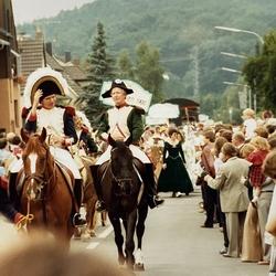 Als Napoleon saß der damalige Vize Bürgermeister Helmut Otto auf dem Pferd