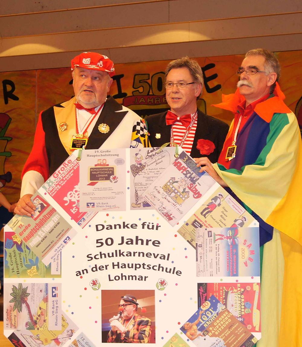 Letzte Hauptschulsitzung 2013 vlnr: Sitzungspräsident Erwin Rußkowski, Bürgermeister Wolfgang Röger, Rektor Uwe Spindler Foto Morich