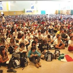 Katechese in der Jabachhalle mit zweitausend Teilnehmern