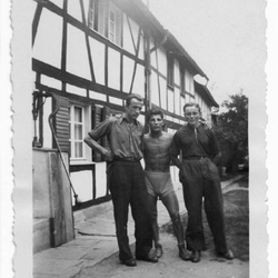 1949 PM im Kreuzer-Hof in Sottenbach, links  Hermann Pahl und rechts Alfons Lange