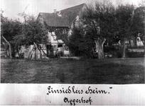 """Zweifamilienwohnhaus Münchhofener Straße 3 (hinter dem Haus """"Orthopädie Gammersbach""""). Das Haus steht heute noch."""