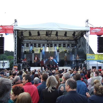 "Stadtfest 21. Mai 2006. Auftritt der ""Klostertaler"""