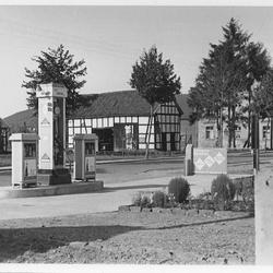 Tankstelle 1936 mit Blick auf die gegenüberliegende Seite Ecke Hauptstraße/Auelsweg