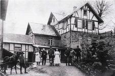 Steiger – Haus Trier auf der Grube Pilot im I. Weltkrieg anläßlich einer Hausschlachtung.