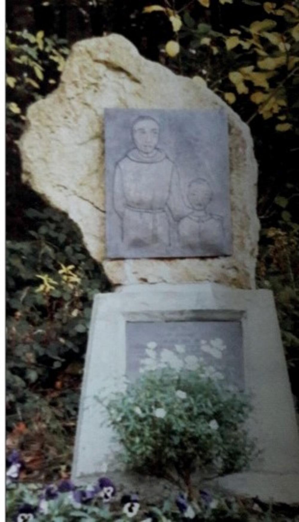 Gedenkstein auf dem Kalvarienberg