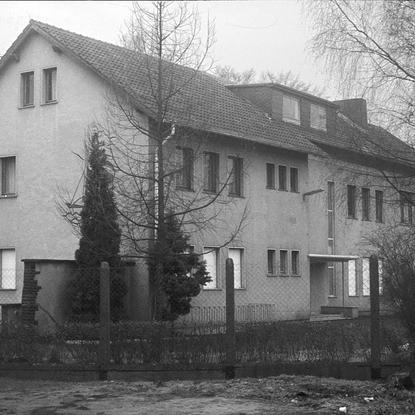 """Paul Schäfer verkaufte die Gebäude der """"Privaten Socialen Mission"""" 1961 an die Bundeswehr"""