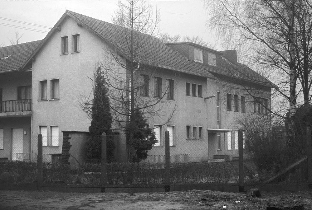 Hauptgebäude des Wachbataillons in Heide in den 1960er Jahren. Foto: Alfred Bergmann