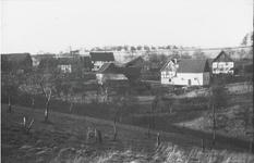 Unterdahlhaus 5 Häuser mit Scheune und Stallungen 1948. In der Mulde entspringt der Dahlhauser Bach