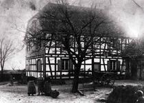 Ehemaliger Bauernhof Maylahn, später August Oberdörster in Haus-Dorp – ca. 1918.