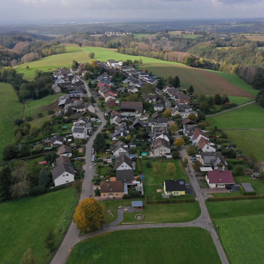 Luftbild Algert Ost-West Richtung Foto lohmar-algert.de