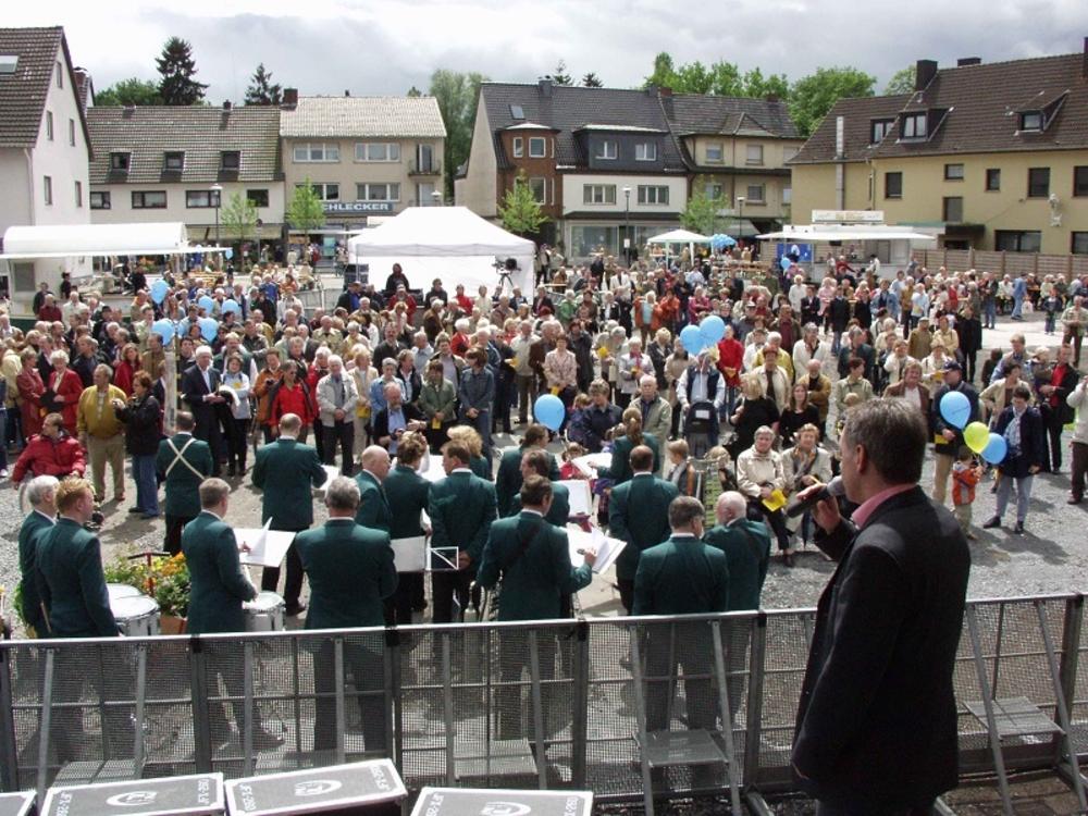 Eröffnung des Stadtfestes mit dem Lohmarer Blasorchester und Bürgermeister Wolfgang Röger