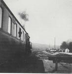 Abfahrender Zug auf dem Bahnhof Wahlscheid in Richtung Overath im April 1936.